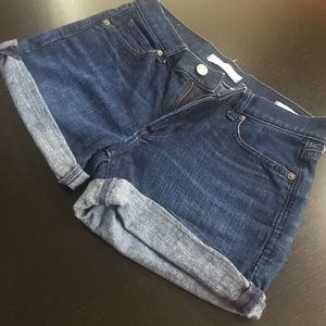Banana Republic dark wash denim roll-up shorts 25